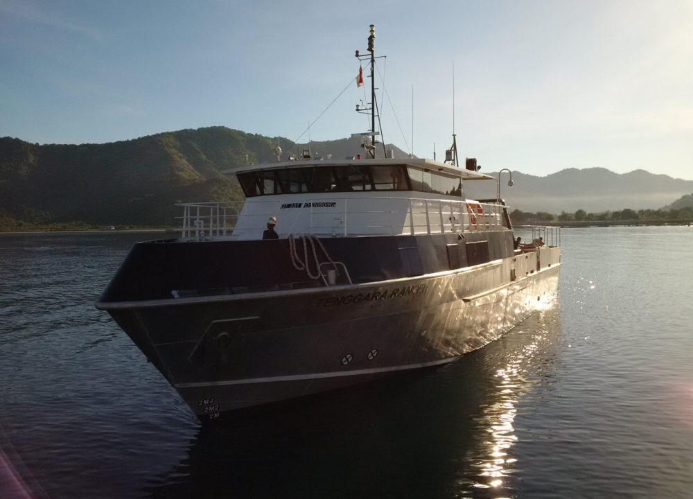indonusa-boat-front